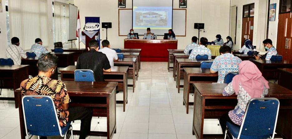 Kepala Perwakilan BKKBN Provinsi Jawa Tengah Berdialog dengan Pegawai Diklat KKB Banyumas