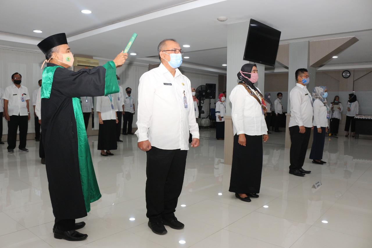 Kepala Perwakilan BKKBN Provinsi Jawa Tengah Lantik Pustakawan dan Arsiparis Inpassing